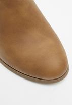 Call It Spring - Ocayssa1 boot - brown