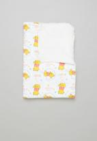 Character Group - Winnie the pooh sherpa throw - white & yellow