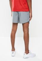 Nike - Nike dri-fit challenger short 5bf - grey