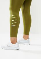 Nike - Curve swoosh run tights 7/8 - olive
