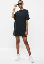 Nike - Nike sportswear essential dress - black