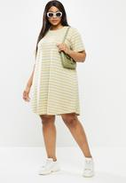 Cotton On - Curve relaxed tee dress - multi