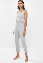 Superbalist - Sleep vest & drop crotch pants set - grey