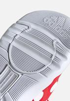 adidas Originals - Activeplay minnie i - vivid red/ftwr white/core black