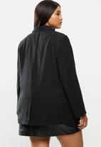 Cotton On - Curve slouchy dad blazer - black