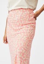 Cotton On - Curve all day slip skirt - peach