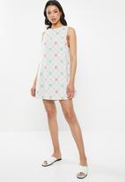 Glamorous - Tie back sleeveless shift dress - pink & mint