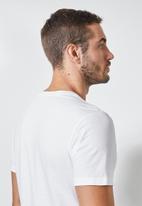Superbalist - Nasa logo crew neck tee - white