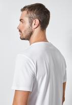 Superbalist - Nasa crew neck tee - white