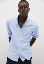 MANGO - Oxford shirt - blue lt