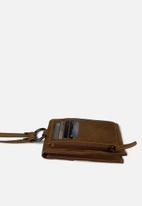 Escape Society - Crossbody travel wallet - toffee