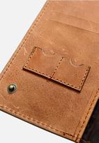 Escape Society - Conquest travel wallet - tan