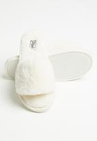 Miss Black - Rella slipper - white