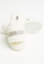 Miss Black - Rella 3 slipper - white