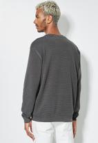 Superbalist - Pique crew neck knit - dark grey