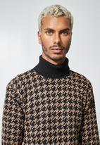 Superbalist - Pattern roll neck knit - brown & black