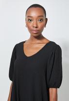 Superbalist - V-back textured fabric tiered dress - black