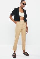 Cotton On - Ultimate short sleeve crop blazer - black