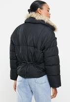Missguided - Ultimate faux fur collar puffer jacket - black