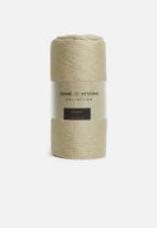 H&S - Quilt throw - taupe