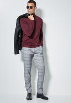 Superbalist - Basic roll neck slim fit knit - burgundy