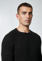 Superbalist - Raglan textured knit - black
