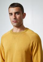 Superbalist - Sporty crew pullover knit jersey - mustard