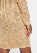 Missguided - Ayvan off shoulder jumper dress - sand
