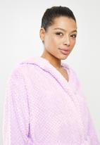 Missguided - Short fluffy super soft dressing gown - lilac