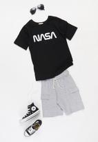 Superbalist Kids - Nasa younger boys tee - black
