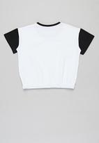Sissy Boy - Duo-tone round neck crop top - black & white