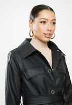 Missguided - Oversized eyelet belted pu jacket - black