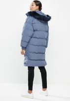 Missguided - Faux fur trim hooded longline puffer - blue
