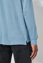 Superbalist - High neck pocket tee - blue