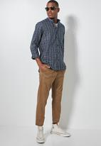 Superbalist - Lee regular fit mandarin check shirt - navy & white