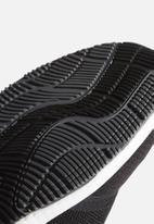 adidas Performance - Edge lux 4 - core black/ftwr white/grey five