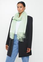 edit - Fringed infinity scarf - mint