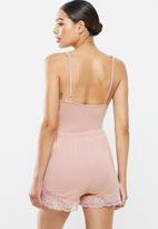 Missguided - Lace trim cami short set - pink