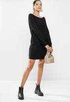 Missguided - Ayvan off shoulder jumper dress - black