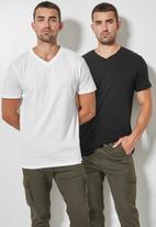 Superbalist - 2-Pack dean v-neck tee - black & white