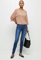 edit - Cosy knit boxy tee - pink