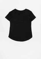 GUESS - Girls guess tee with pocket - black
