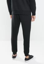 Converse - Converse embroidered star chevron fleece sweatpant - black
