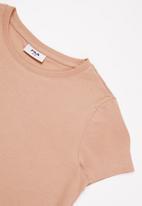 FILA - Mono deckle T-shirt dress - pink
