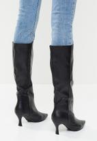 Z_Code_Z - Abella knee boot - black