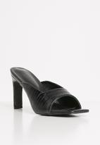 Z_Code_Z - Iman square toe mule heel - black