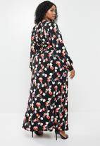 Missguided - Plus plunge maxi dress floral - red & black
