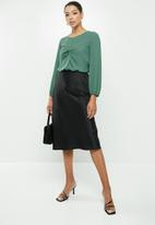 MILLA - Georgette blouse with twist front - green