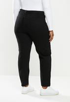 Missguided - Plus size black riot high rise clean mom jeans - black