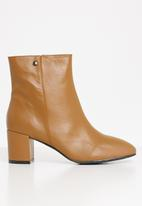 POLO - Amber leather heeled ankle boot - tan
